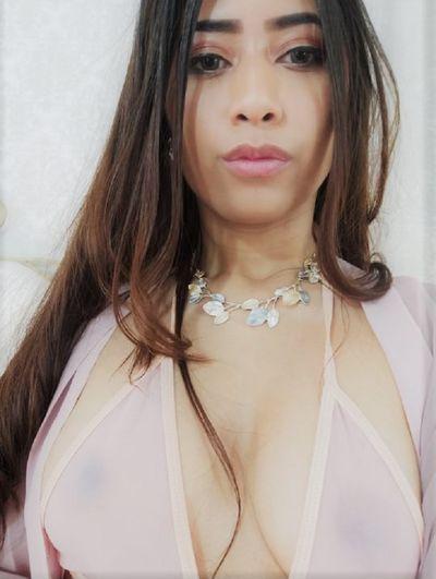 April Rosay - Escort Girl from Lincoln Nebraska