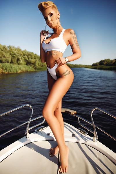 Nelly Sharp - Escort Girl from Arvada Colorado