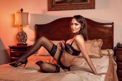 Bella Mikaelson - Escort Girl from Corona California