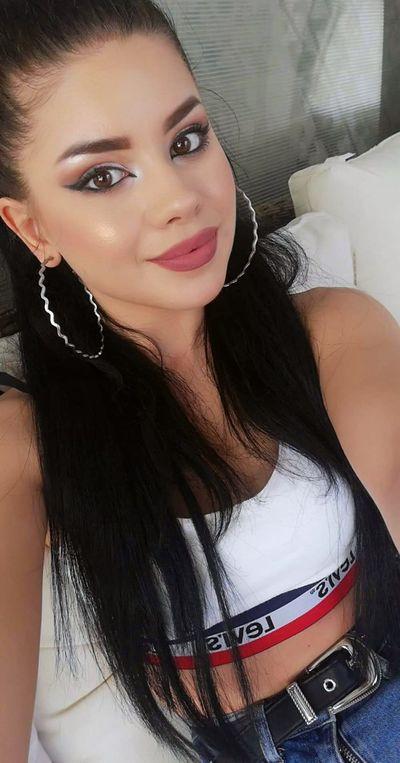 Debbie Rivera - Escort Girl from Lincoln Nebraska