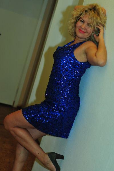 Joni Lindsay - Escort Girl from Lexington Kentucky