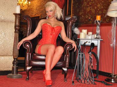 Fem Dom Beauty - Escort Girl from Lincoln Nebraska