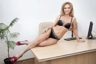 Karla Jensen - Escort Girl from League City Texas
