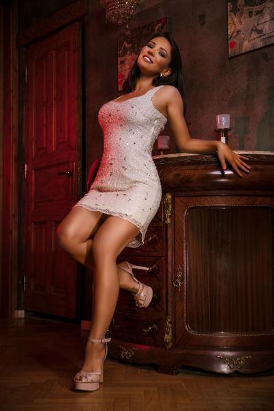 Selena Ryan - Escort Girl from Lincoln Nebraska